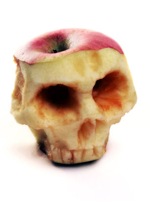Apple_of_Death_by_Rajala_1_.jpg